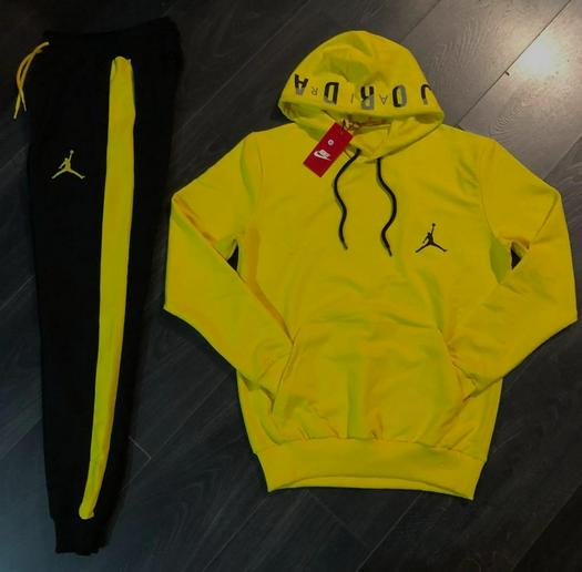 tracksuits 1052093